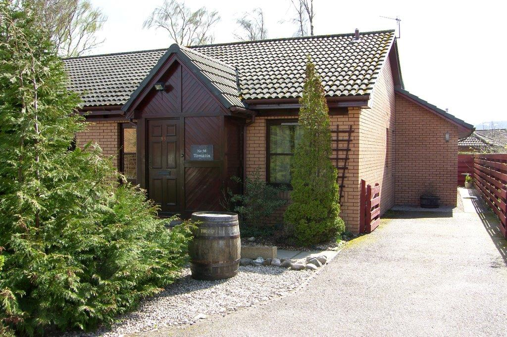 3 Bedrooms Semi Detached House for sale in Dalnabay, Aviemore, PH22 1RQ
