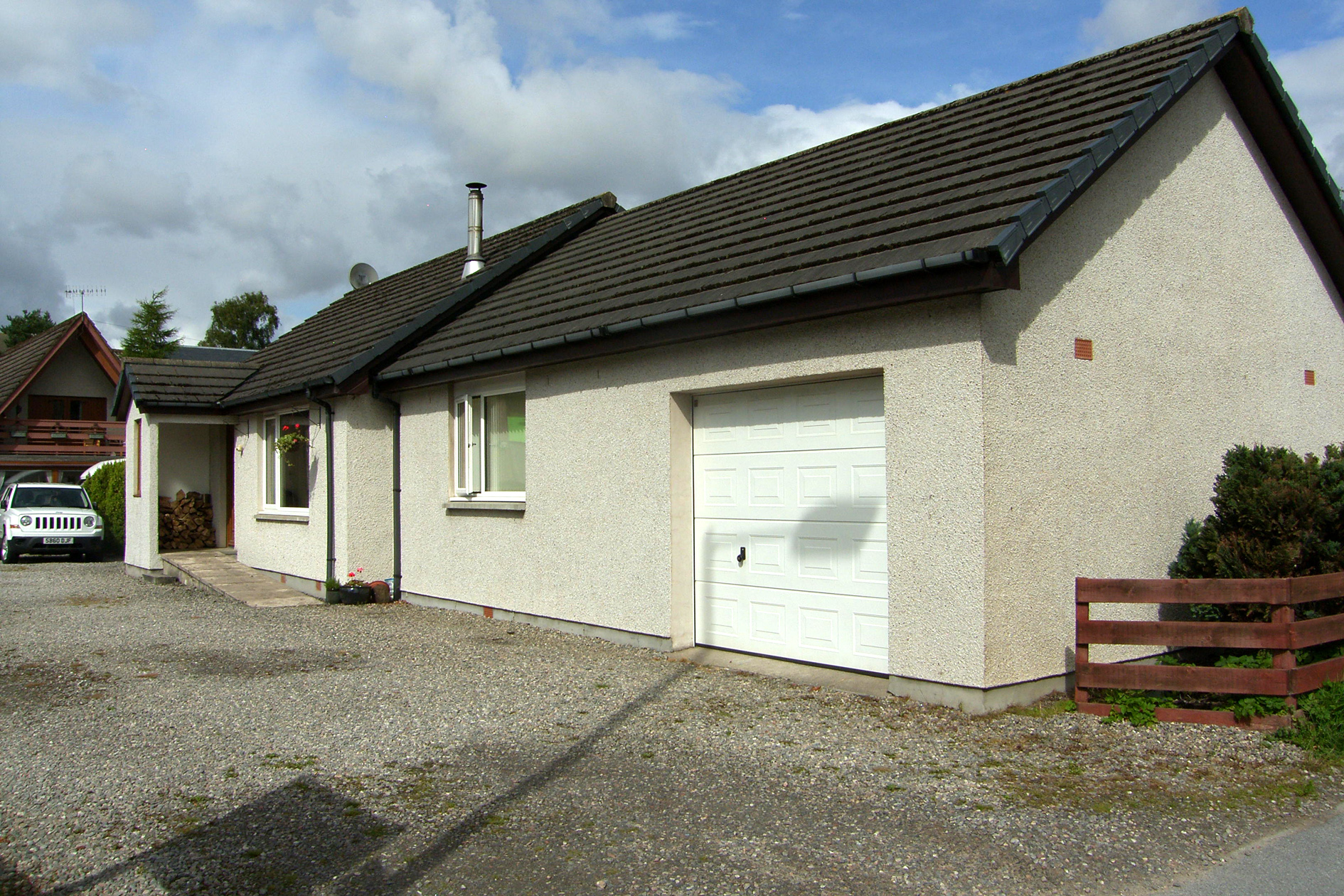 3 Bedrooms Detached House for sale in Main Street, Newtonmore, PH20 1DR