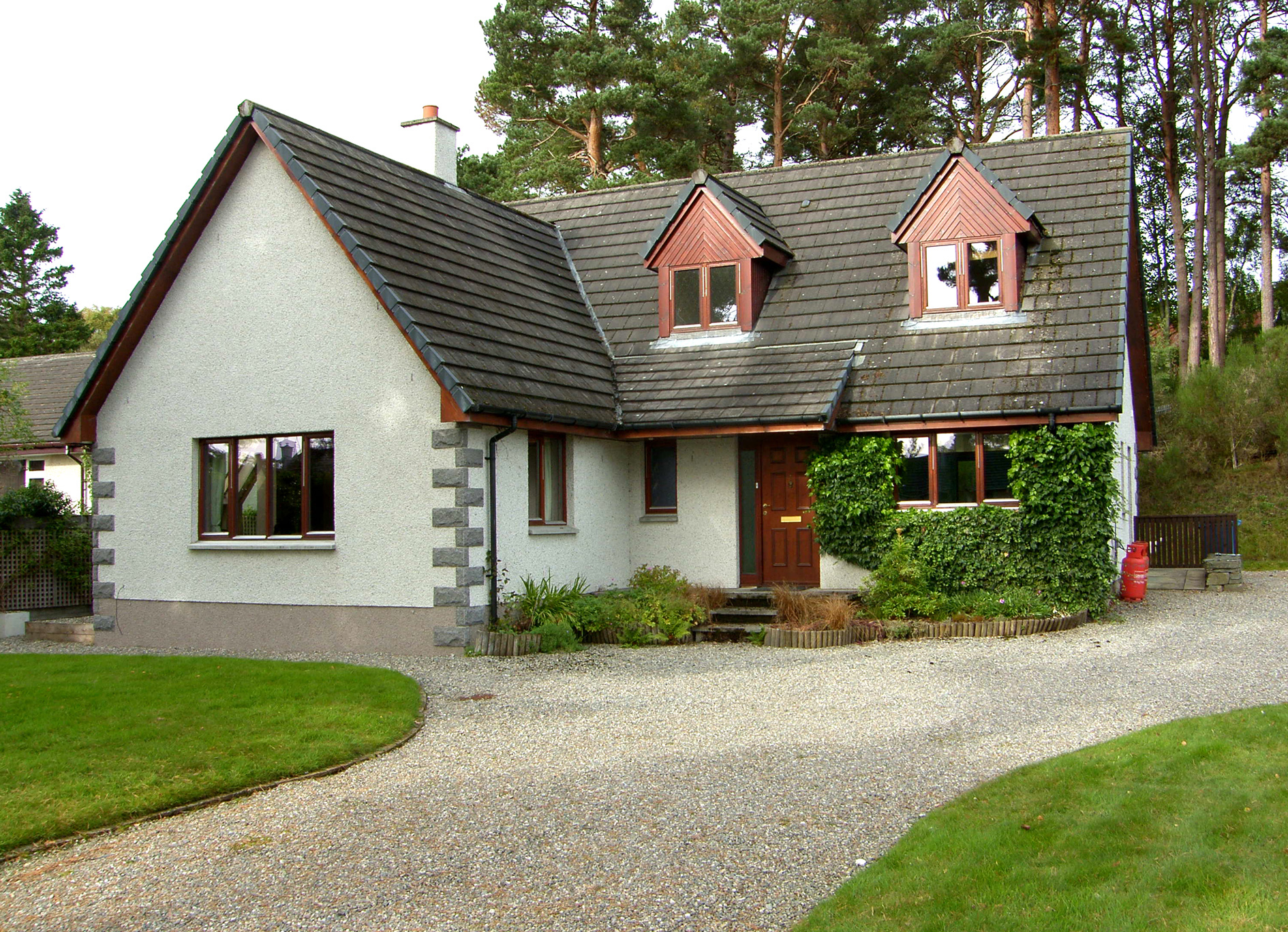3 Bedrooms Detached House for sale in Newtonmore, PH20 1DT